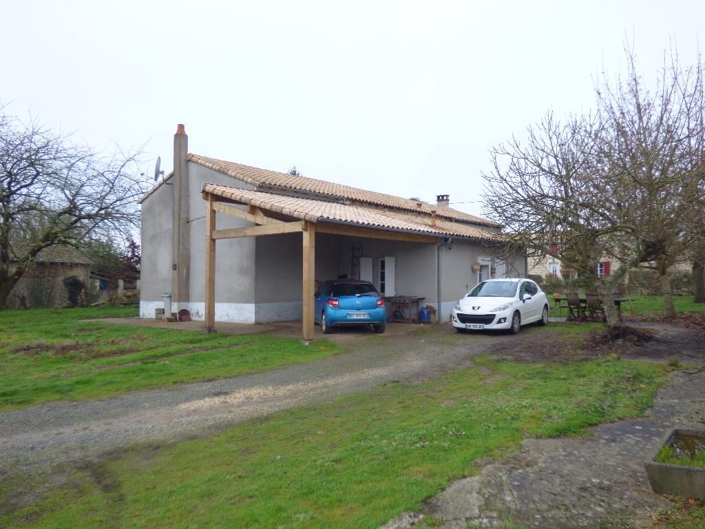 BAISSE DE PRIX !!!  LONGERE 146 M2 / 3 CHAMBRES / BUREAU / TERRAIN 1250 M2
