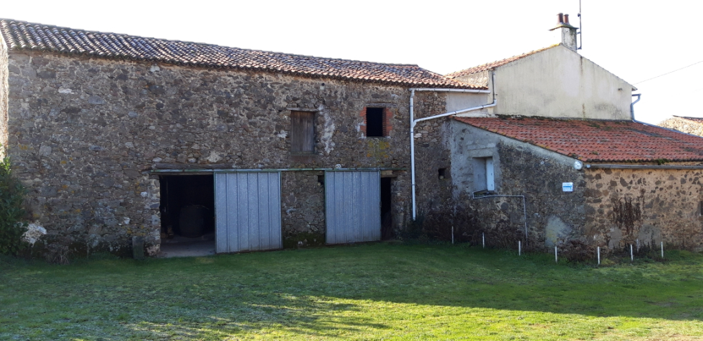 Maison La Meilleraie Tillay, grange de 90 m² + maison de 100 m²