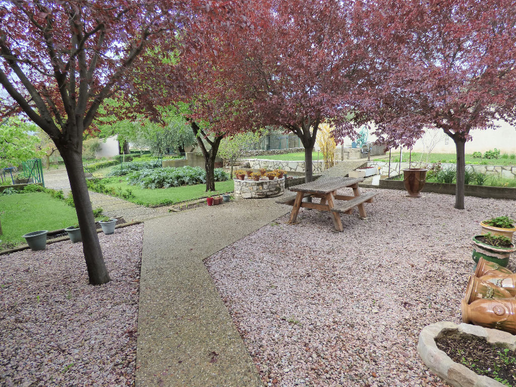 Maison  Vigneronne Causses Et Veyran 5 pièce(s) 220 m2 sur 1200 m² de terrain