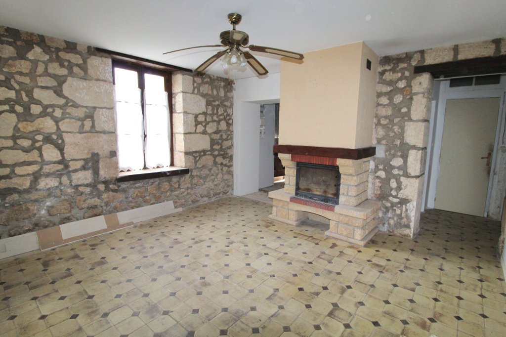 Maison à rénover 98m² -  02160 LONGUEVAL BARBONVAL
