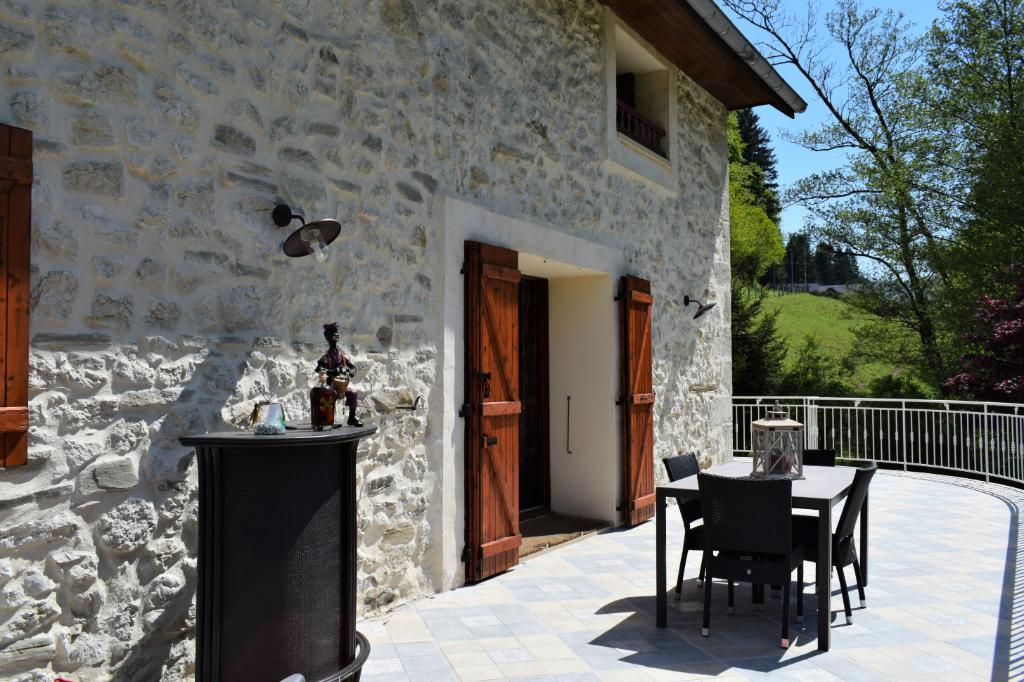 Maison 73160  Saint Thibaud De Couz 6 pièce(s) 197 m2