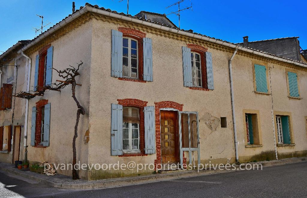 Maison de village à Violès