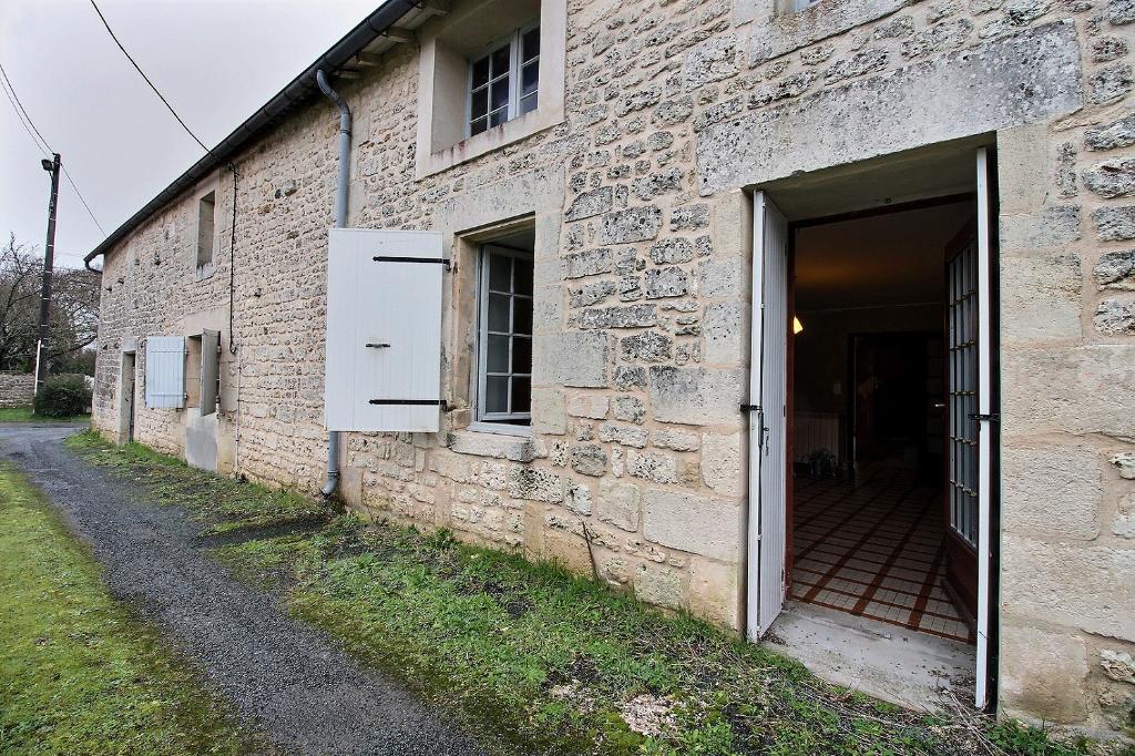 Maison Saint Savinien 7 pièce(s) 240 m², 3 chambres