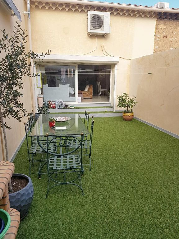BEL APPARTEMENT VERSION LOFT AVEC TERRASSE PRIVATIVE