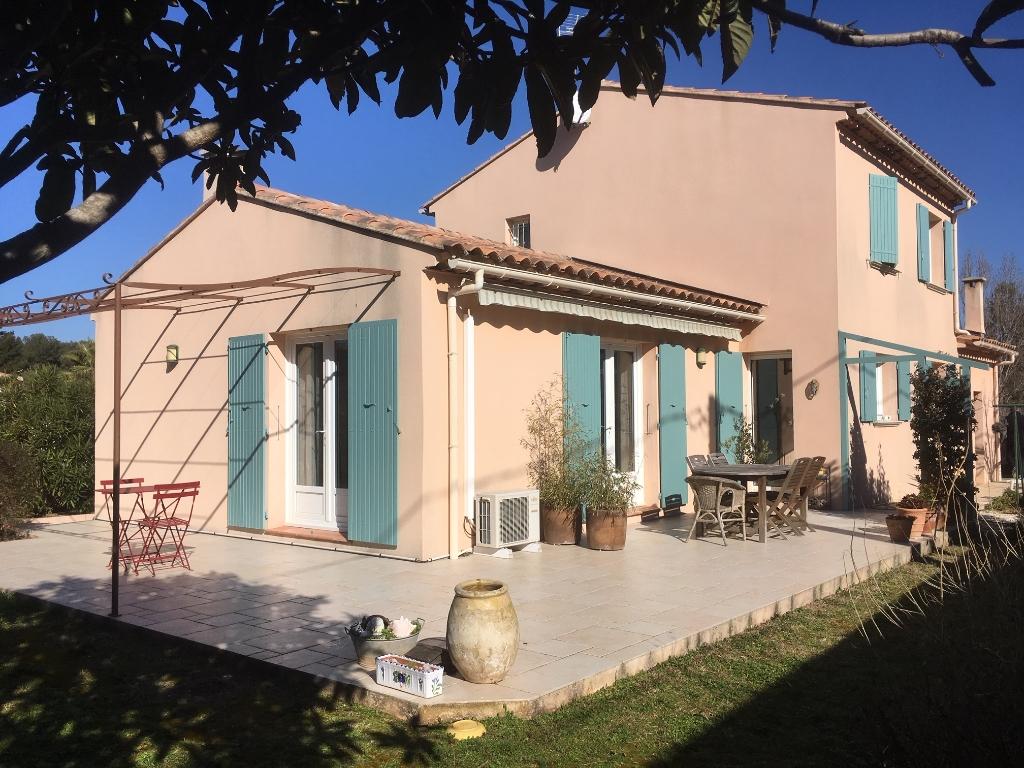 Villa T6 récente avec chambre de plain pied  -  Proximité mer et commerces