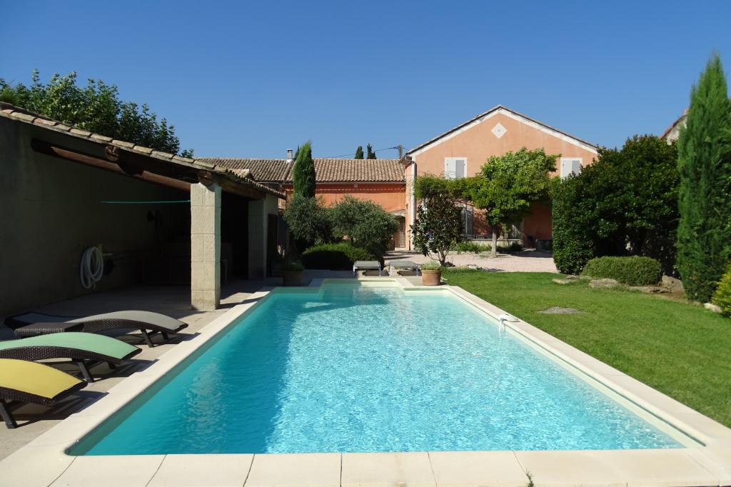 A VENDRE -  13210 - Saint Rémy de Provence - Mas en pierres du 17ème Siècle avec piscine