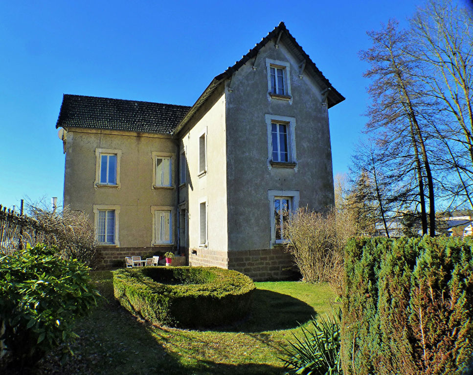 Maison bourgeoise Thizy Les Bourgs 8 pièce(s)  165 m2 189 000