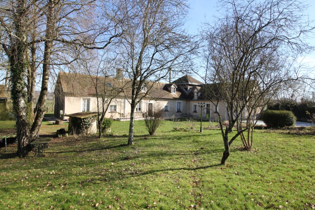 Maison - Mansigné - 13 pièces - 230 m²