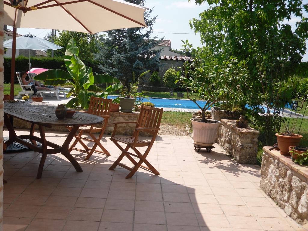 MAISON   7 pièce(s) 148 m2+1 véranda, 4 chambres, piscine,  garage