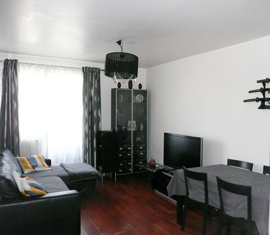 Appartement Villeneuve La Garenne 3 pièce(s) 55 m2