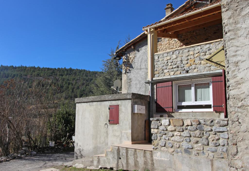 Maison de Village 2 chambres 90m2  Draix (04 420)