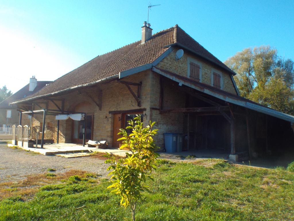 Colonne : ferme rénovée 18°s. sur grand terrain plat