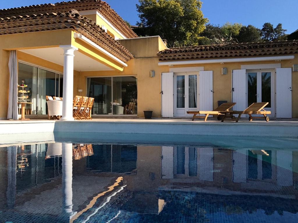Villa  récente sur le golf de Sainte-Maxime