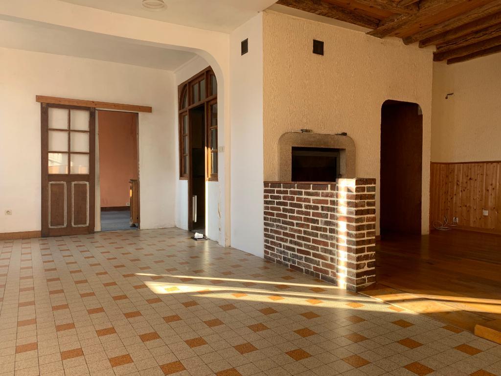 Illiers L Eveque 27 770, maison ancienne, 145 m2, 5 chambres, 1 garage double,1 studio indépendant, dépendance, jardin au prix de  149 500 HAI