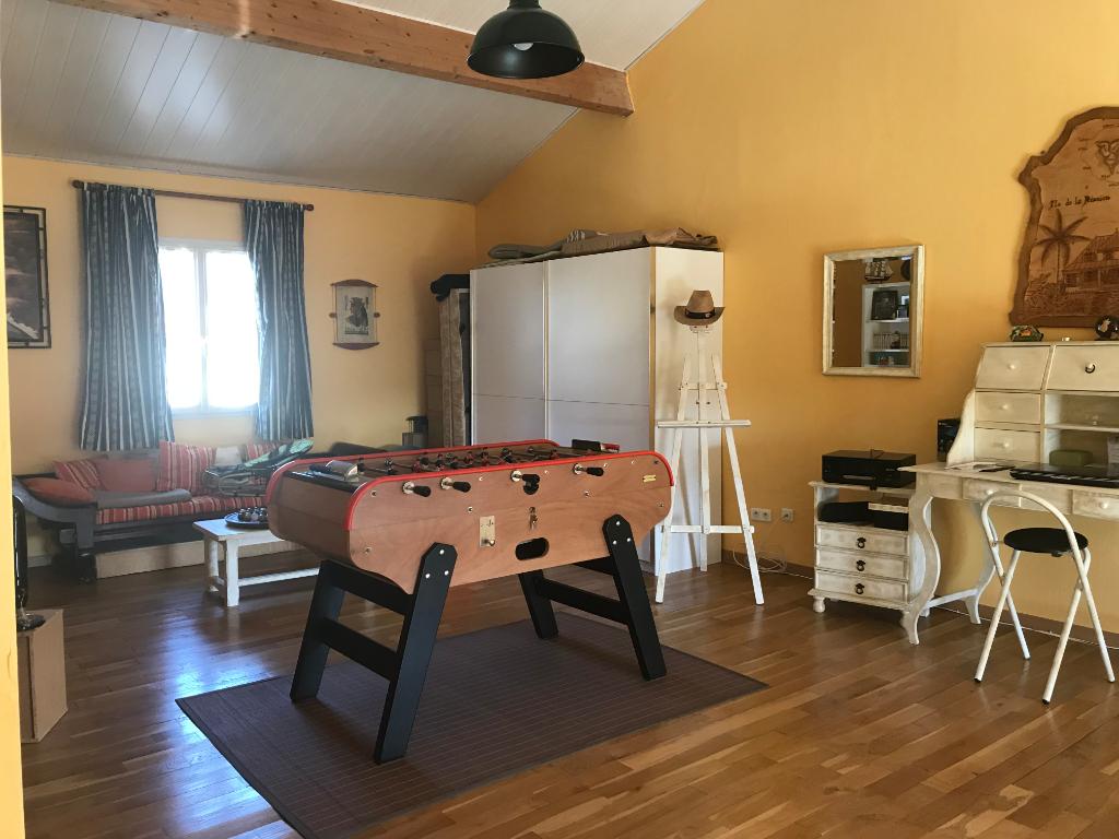Maison Monfaucon 7 pièce(s) 165 m2