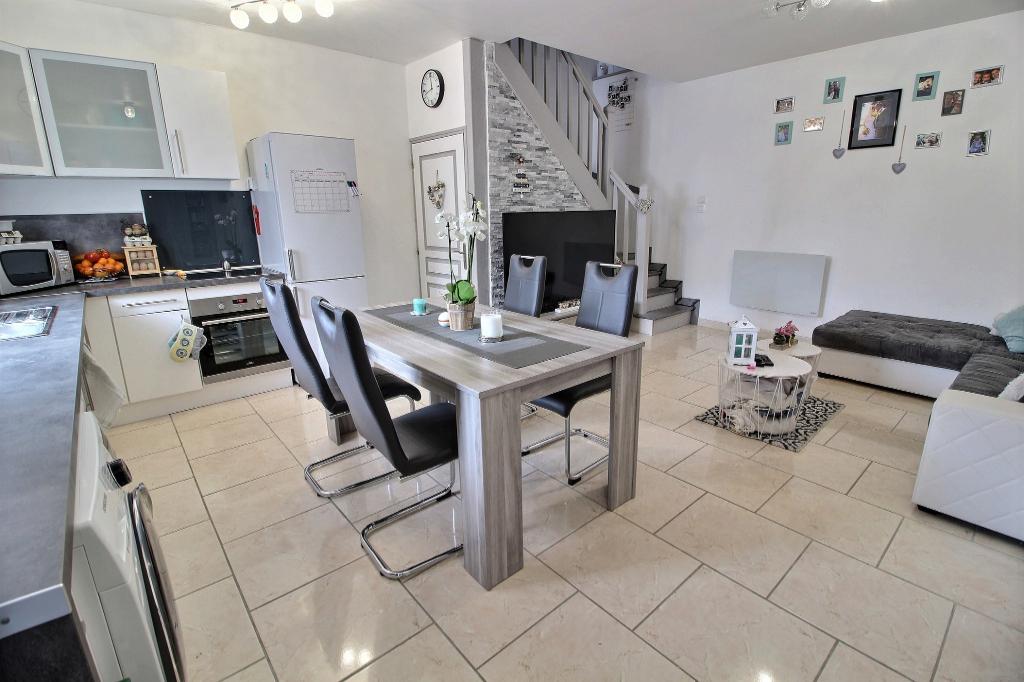 BALAGNY SUR THERAIN 60250 Maison en duplex 1 chambre + bureau 1 Parking