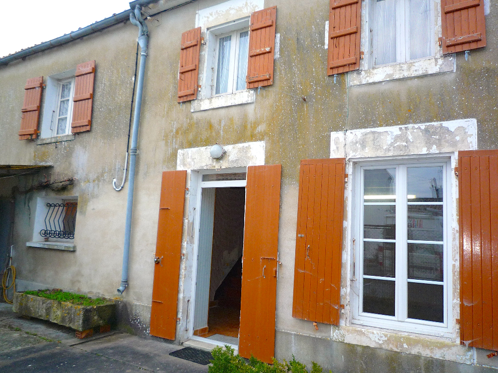 Maison Mauze Sur Le Mignon