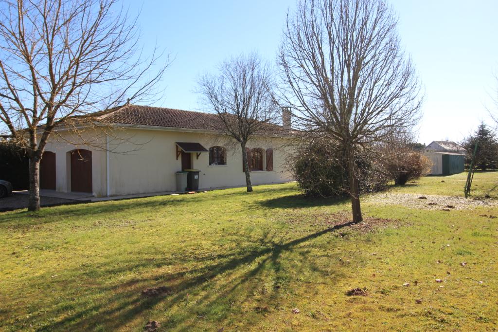Maison  5 pièce(s) 148m² + double garage de 35m² - 3 chambres -  1 hectare de terrain