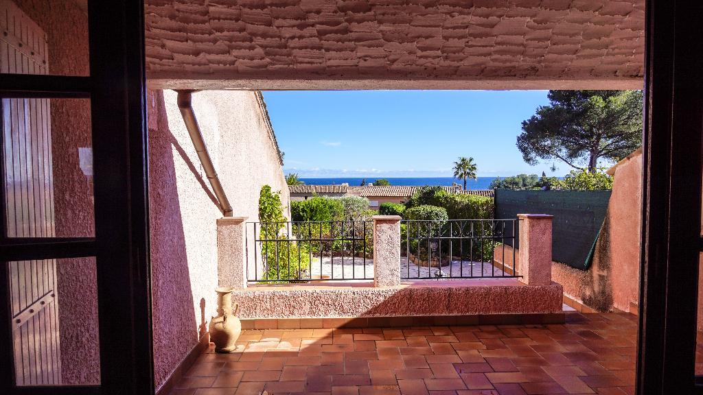Maison 2 pièces avec vue mer et jardin privatif  - Agay (83530)
