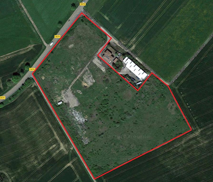 Terrain de 42 000 m2 en zone artisanale constructible, viabilisé, secteur Champenoux