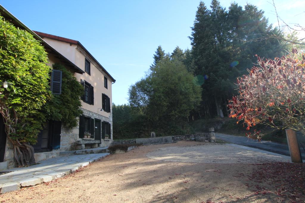 Corps de ferme Vertolaye 192 m2 Piscine Terrain de 2 768 m² env