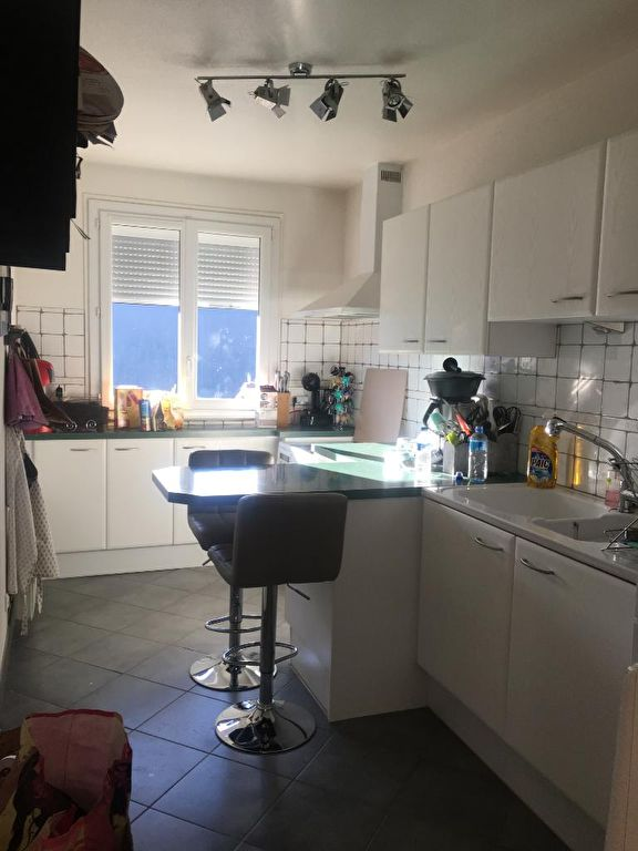 39400 Morez - Appartement 86m² - 2 chambres , garage individuel fermé, cave