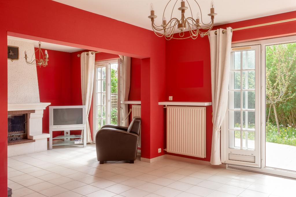 DREUX 28100 Maison - 1 étage - 3 chambres - Sous sol - Garage - Terrain - 159 000  HAI