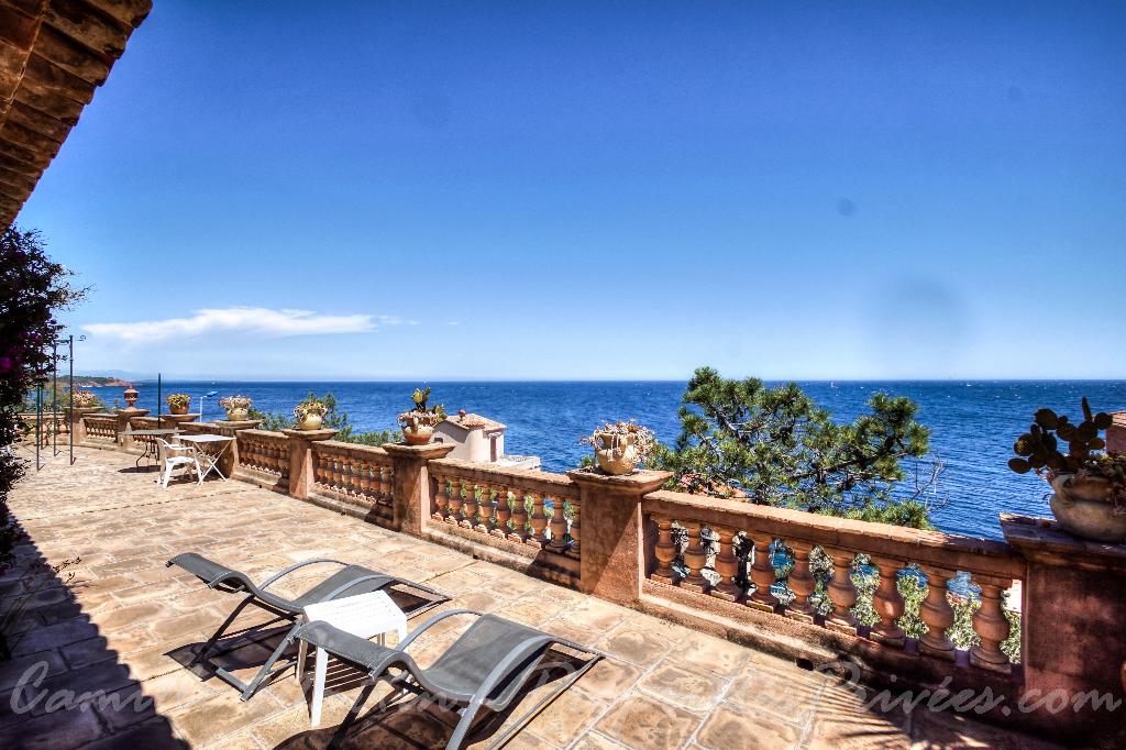 Villa de plain pied 150m² - 6 pièces - avec vue mer panoramique - Anthéor (83530)