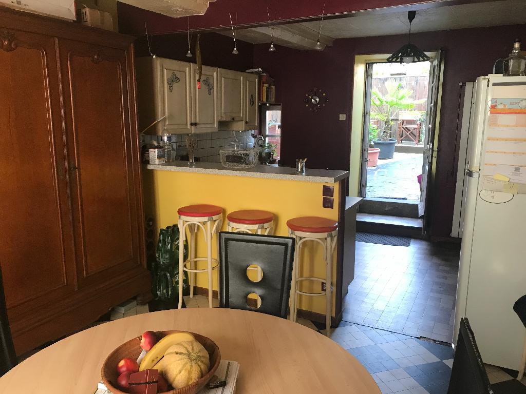 Maison Parcé-sur-sarthe 6 pièce(s) 144 m2