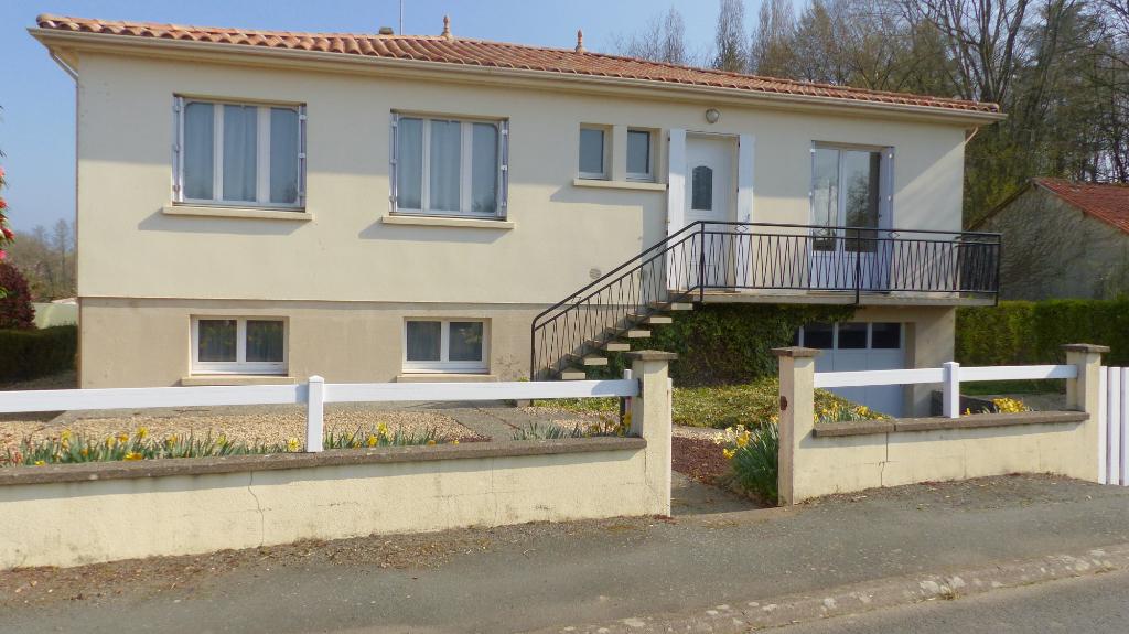 Maison Saint Mesmin à 8 minutes de Pouzauges, proche de Cerizay 105 990