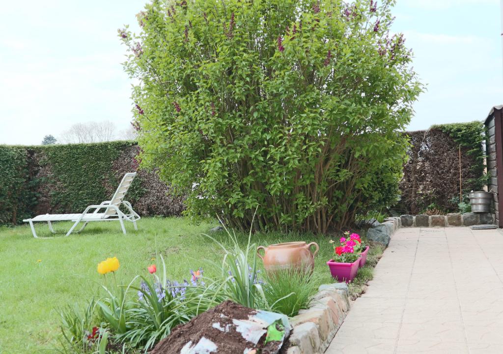 WATTRELOS, Secteur PLOUYS, maison semi individuelle avec jardin et garage