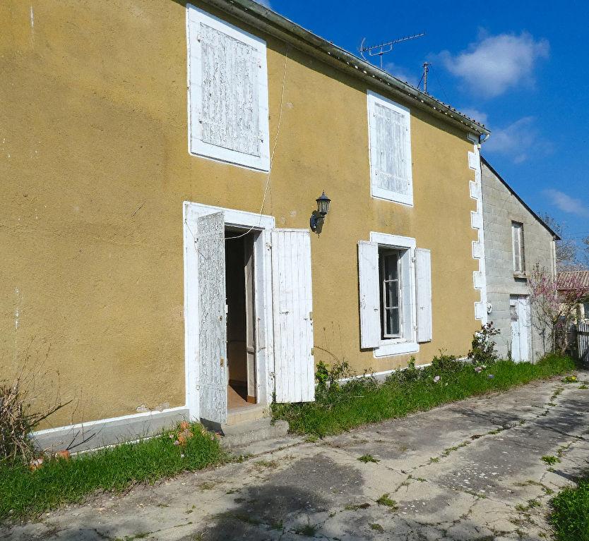 Maison de village  4 pièce(s) 80 m2 à rénover