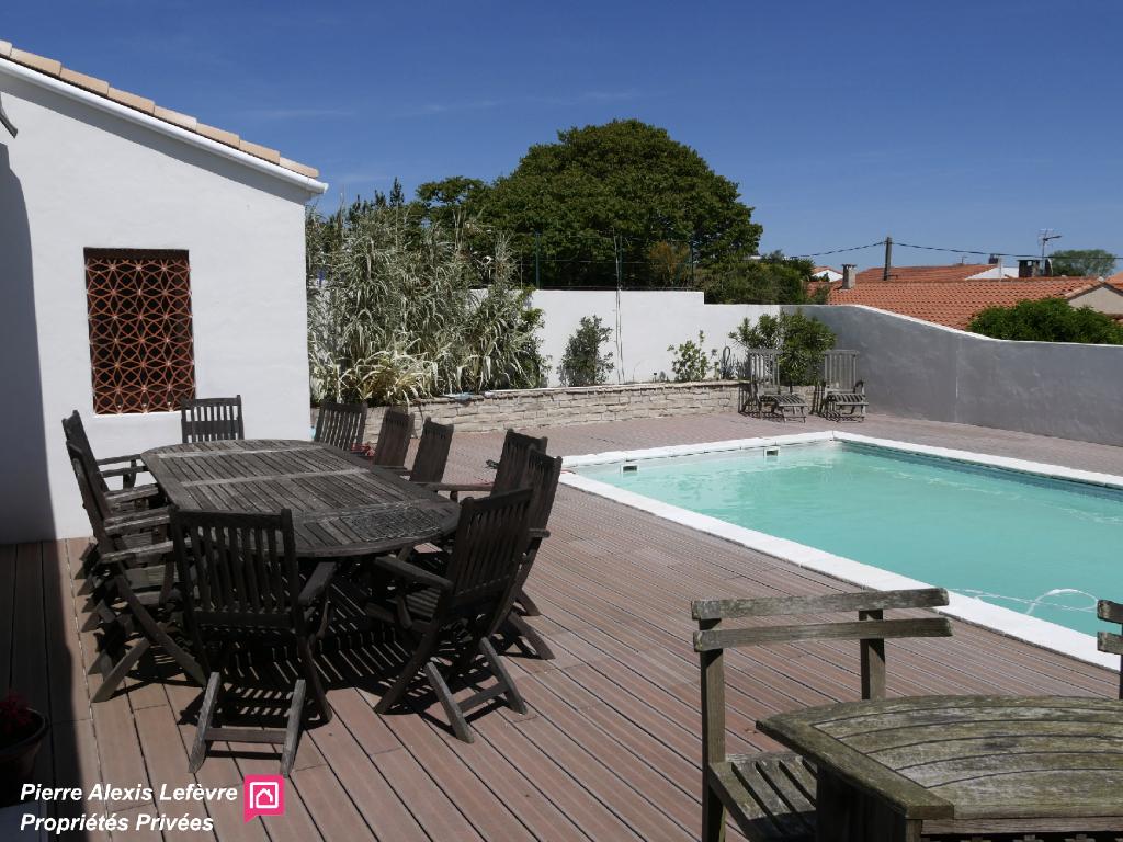 Villa rénovée à Vaux Sur Mer 8 pièce(s) 190 m2 et piscine