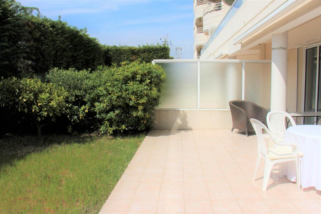 Cannes (06150) T2 43 m²  + 2 garages- Bord de mer- Rez de jardin privatif + Terrasse