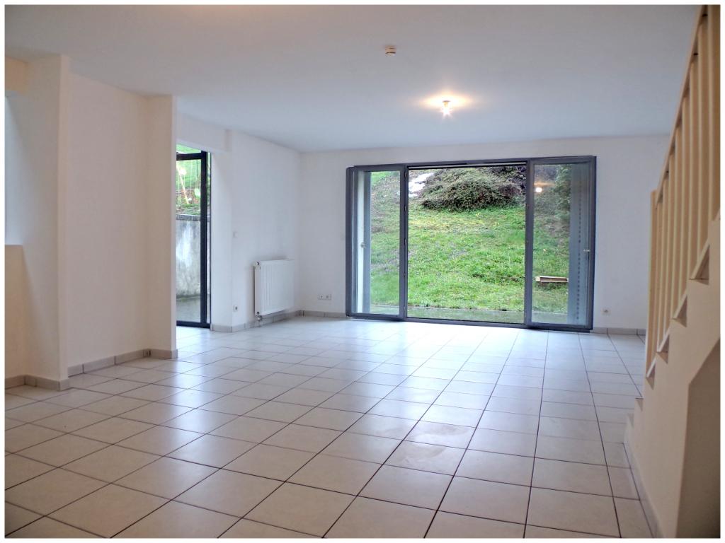 Villa d'architecte en triplex avec 4 chambres au coeur d'Albigny sur Saône proche de Lyon