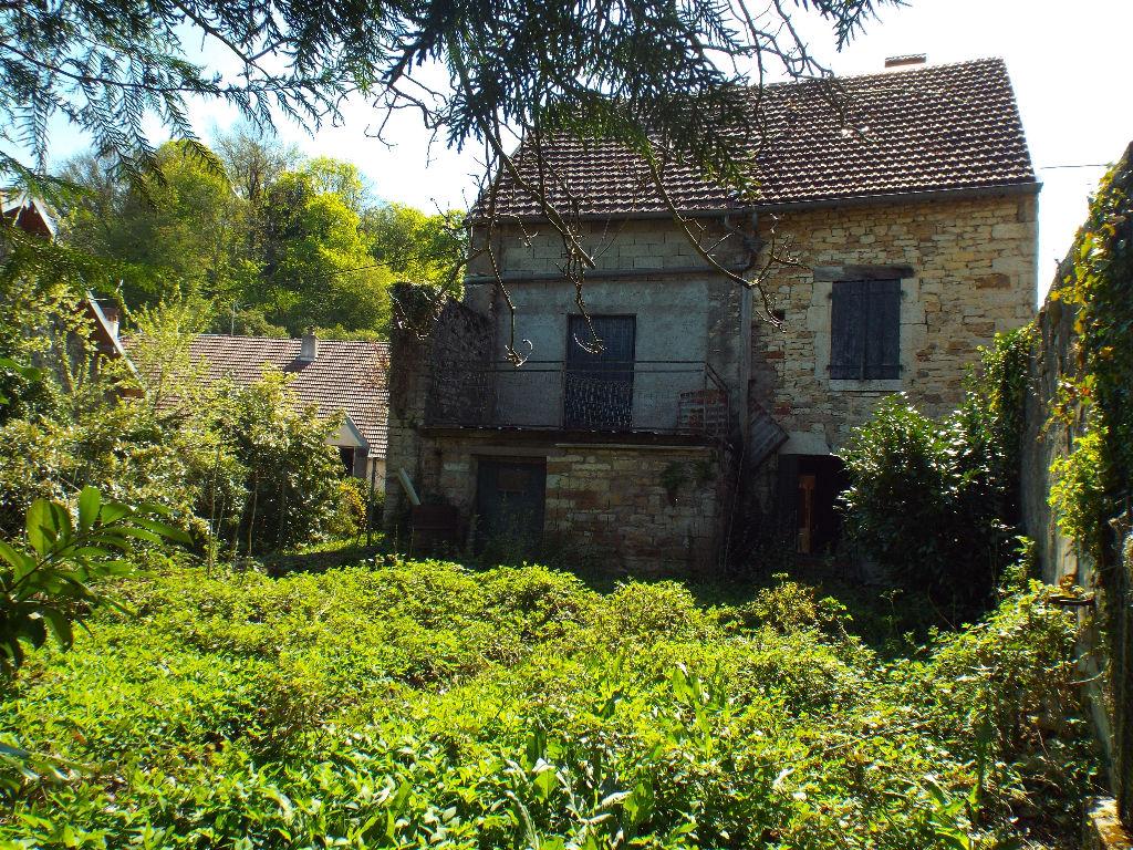 Byans/Doubs :  maison de village avec terrain