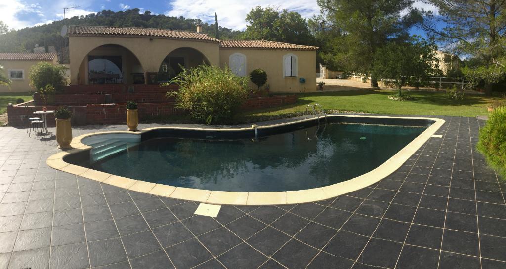Villa avec piscine et studio à Gailhan
