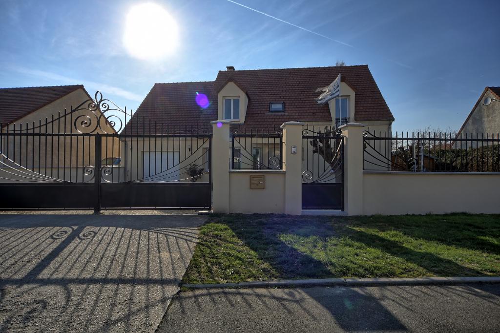77550 REAU- Maison individuelle contemporaine de 6 pièce(s)- 145 m²/800m² de terrain