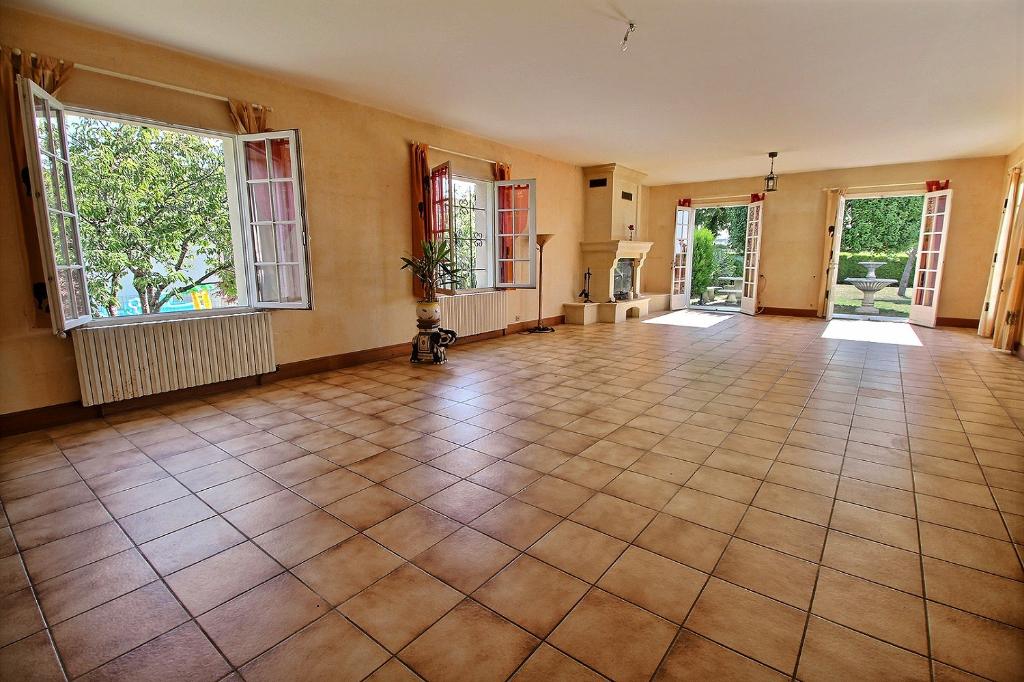 Maison  8 pièce(s) 220 m2