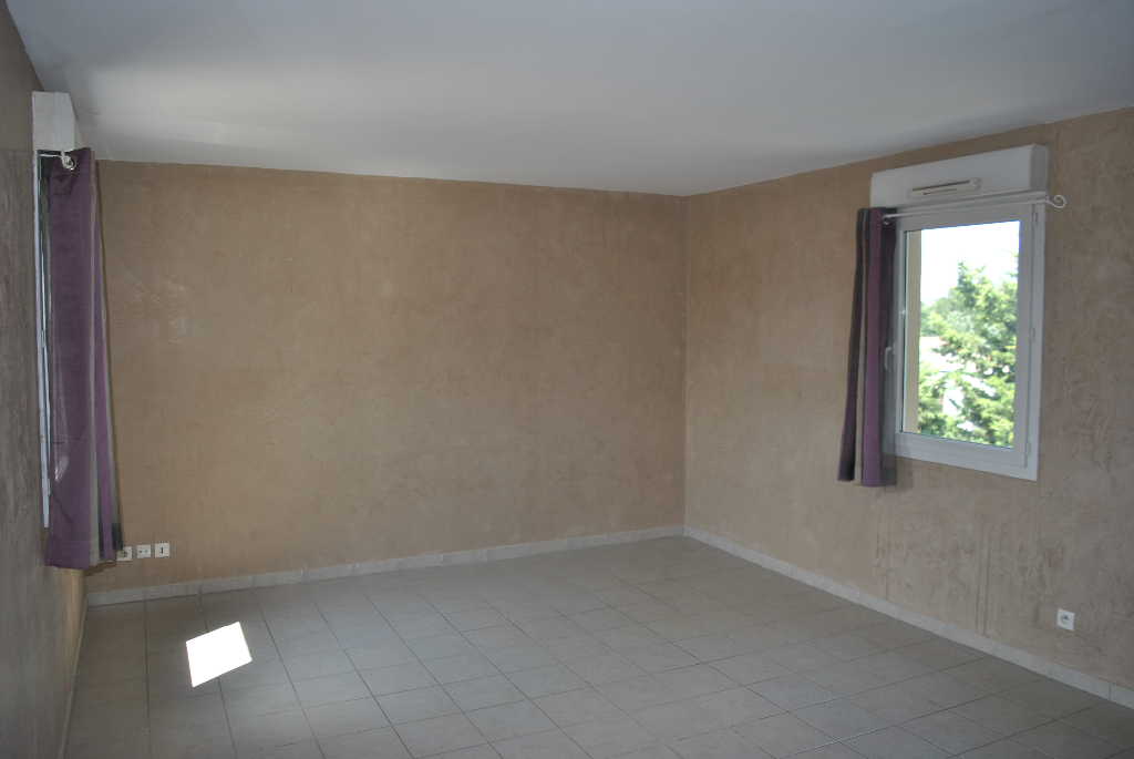 Appartement Avignon extra muros 4 pièce(s) 76.40 m2