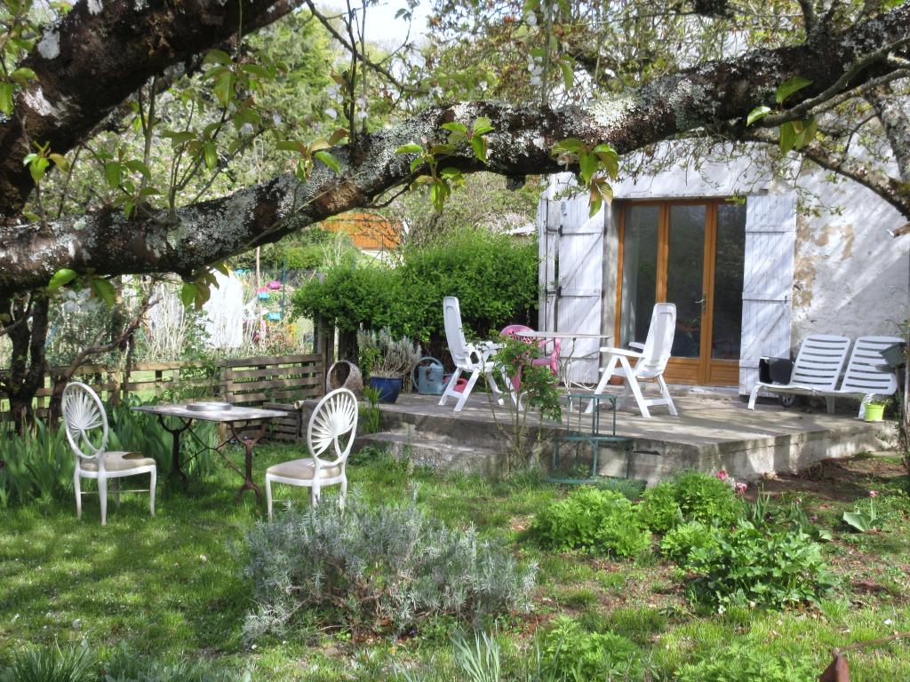 Maison Montreuil-Bonnin, 3 pièce(s) 110 m2 à rénover