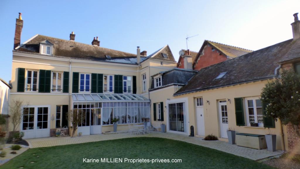 DREUX 28100 Maison bourgeoise d'environ 248 m² - 6 chambres - Garage - Cave - Atelier - Terrain - 530 000  HAI