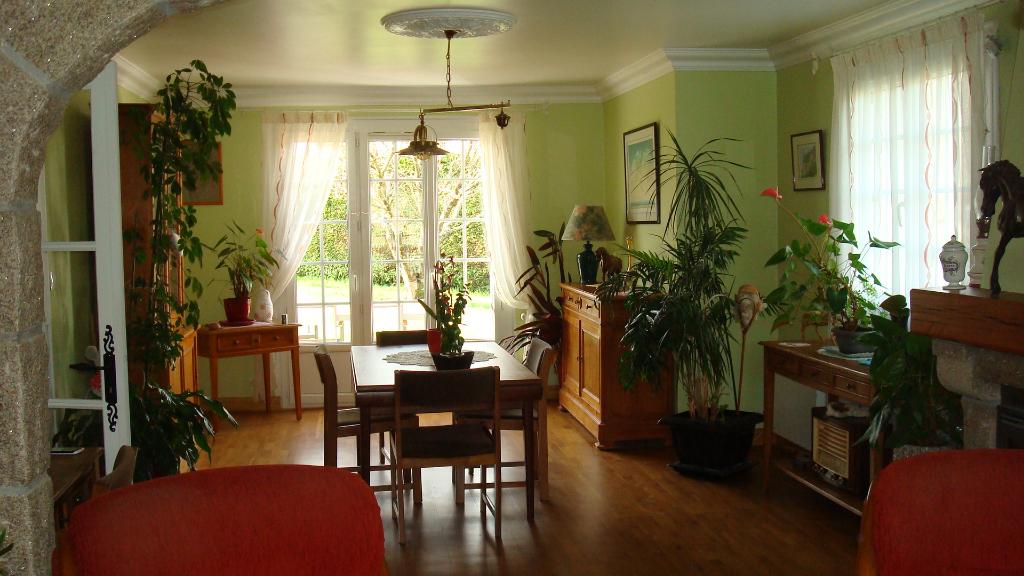 Maison à BAINS  sur Oust  7 pièce(s) 150 m2