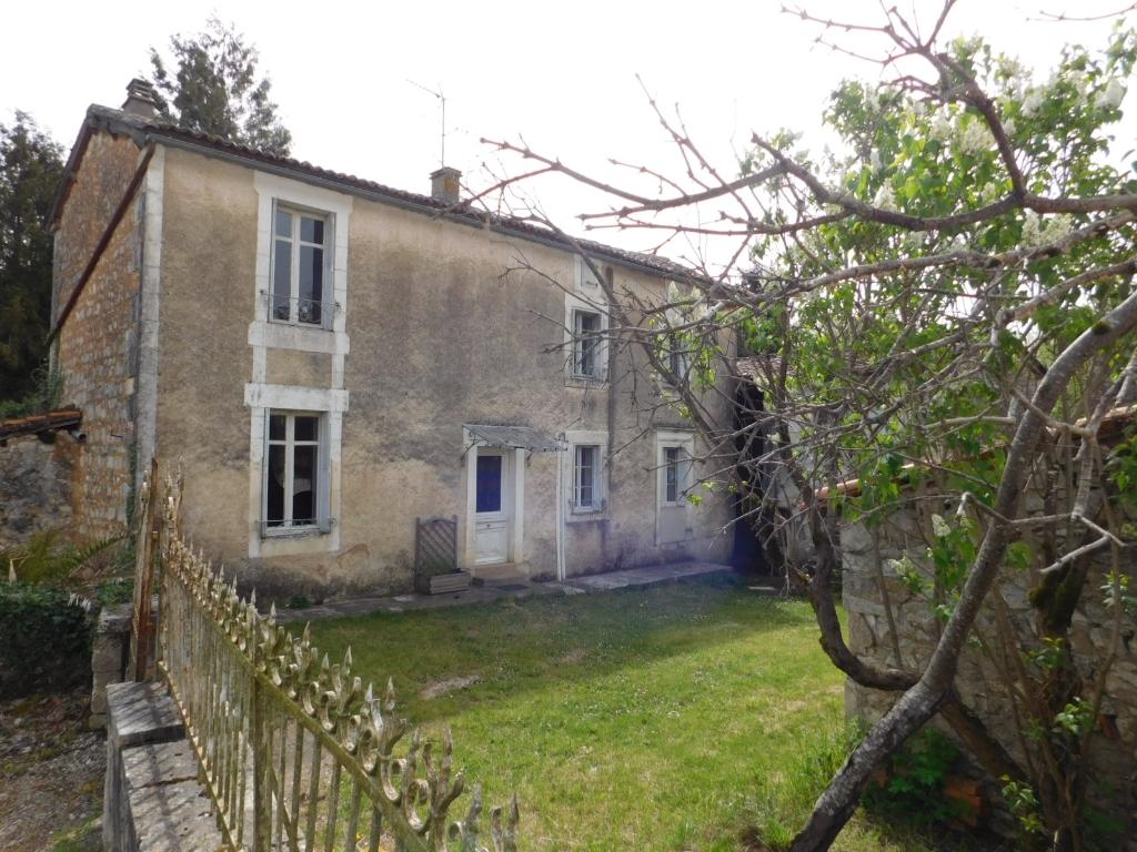Maison avec grange La Rochefoucauld 4 pièce(s) 100 m2