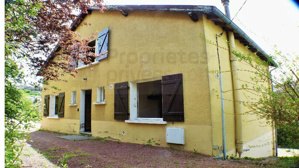 Maison à rénover Thizy Les Bourgs 6 pièce(s) 92.5 m2  119 000