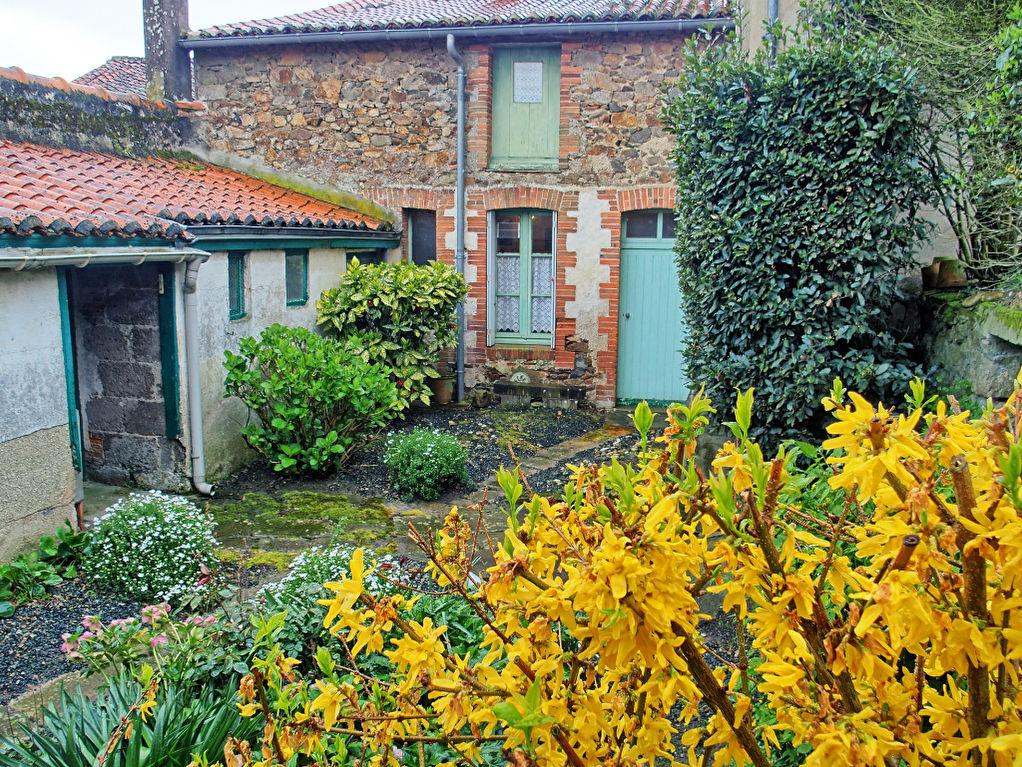 Maison Montfaucon Montigne 7 pièce(s) 119 m2