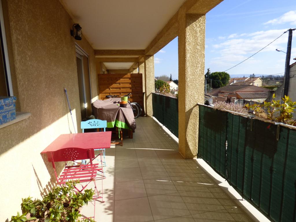 Appartement Chateauneuf De Gadagne 3 pièce(s) 66 m2