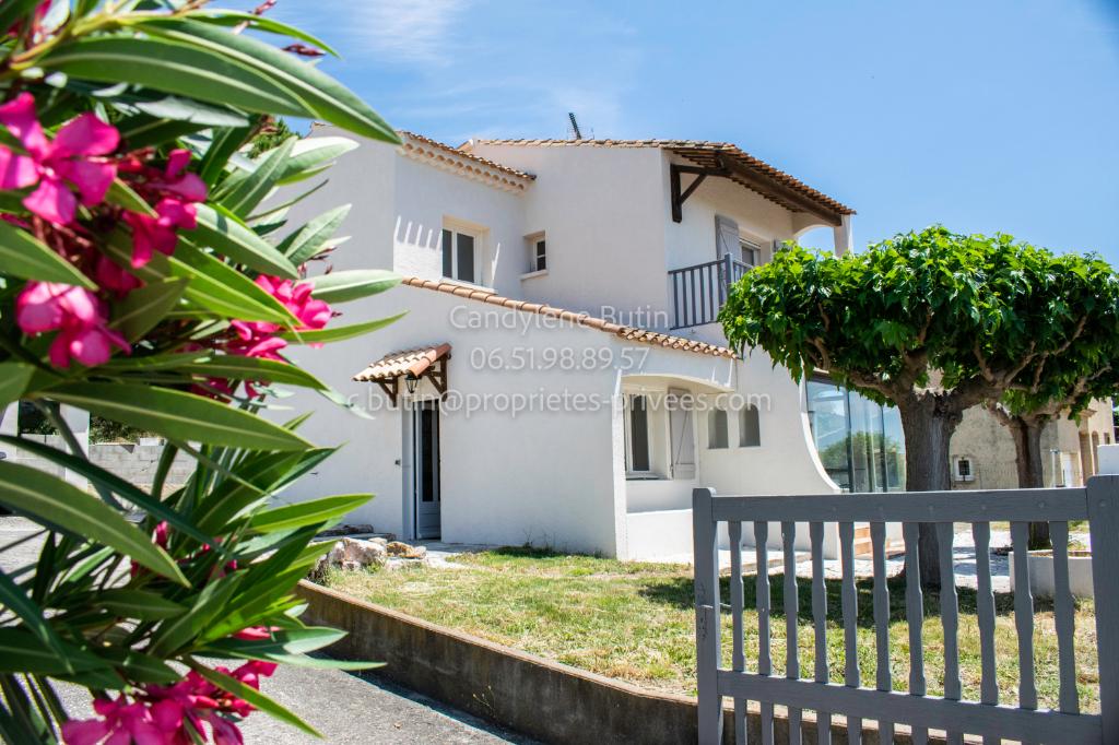 Villa R+1 de 99m²  avec garages sur terrain de 600m²