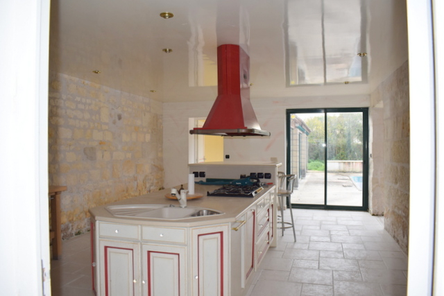 17810 Maison Nieul Les Saintes 8 pièce(s) 370 m2 piscine