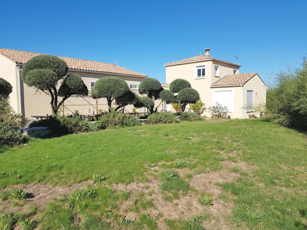 VILLA D'ARCHITECTE 125M² GARAGE DE 120M² SUR 2056M² DE TERRAIN